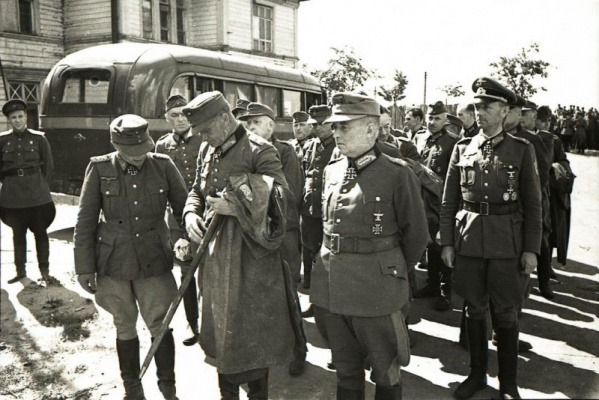 Пленные немецкие генералы